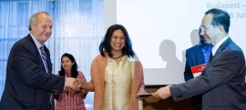 Hasina Kharbhih, Team Leader, Impulse NGO Network receiving GDN Award